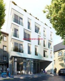 SOUS RÉSERVATION Nous vous proposons à la vente dans le nouveau projet  immobilier de standing « Place Benelux » : Un appartement neuf (3-T2) de +/- 72,62 m2 qui se compose comme suit: - Une cuisine ouverte - Un living - Deux chambres à coucher -Une  salle de douche -Un W.C séparé  -Une cave  Ce nouveau projet  à l?architecture contemporaine est constitué de 5 maisons en bande, d?une résidence de 6 appartements et d?un local commercial.  Il est idéalement situé à la Place Benelux, dans le quartier résidentiel d?Esch nord, quartier calme et accueillant, qui possède encore de petits magasins de proximité, d?autres infrastructures (telles que piscine, école, crèches, hôpital ?) ou services (poste, banques etc), se trouvent aussi dans ce quartier. Les transports en commun ainsi que l?autoroute A 4 se trouvent à quelques mètres.  A 5 minutes en voiture du site Belval.  Les prix indiqués comprennent la TVA à hauteur de 3%, il y a la possibilité d?acheter en supplément des emplacements de parking intérieurs.  N?hésitez pas à nous contacter pour de plus amples renseignements, les plans et cahier de charges sont à votre disposition sur  simple demande.    Commission d\'agence comprise dans le prix à la charge du vendeur.    Ref agence :EACVB69-79A2_3