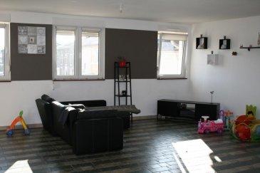 RE/MAX spécialiste de l'immobilier vous propose à la location dans la commune de Serrouville, un charmant appartement dans une rue calme et peu passante.   Priorité aux personnes ayant des enfants.  Ce bien dispose d'une surface de 150 mètres carré avec quatre chambres - séjour - salle de bain - cuisine.  Deux emplacements à l'extérieur sont disponibles.   Un garage peut être mis à disposition (+100' sur le prix de la location).  Ce bien est disponible à partir du 1er mai 2018.  A visiter sans tarder.   Personne de contact: Jérôme BRAGARD  Tél: +352 661 102 236 Mail: jerome.bragard@remax.lu Ref agence :5095876