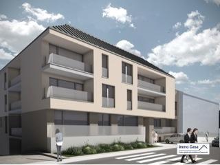 IMMOCASA vous propose à Bissen nouveau projet (5 km de Mersch)  Appartement neuf de 109,32 m2 situé au RCH (Lot 017)  dans une  résidence de 3 étages offrant : 1 Hall d'entrée (de 16 m2) Wc séparé Cuisine non équipée ouverte sur séjour/salle à manger spacieuse de 41 m2 donnant d'un côté accès à une loggia (de 8 m2) et de l'autre à une terrasse (de 7 m2) 2 grandes chambres à coucher (de 15 m2 et 14 m2) dont l'une avec accès à la loggia, salle de bain (de 9 m2) Terrasse 10,57 m2 Cave et buanderie privatives Possibilité d'acquérir une place de parking  extérieur au prix de 5 000€ (HTVA) ,intérieur au prix de 19 000€ (HTVA) ECOPASS AA Prix 472.324,00 € TVA à 3% (sous acceptation de l'Administration de L'enregistrement)  Cette nouvelle construction vous offre des prestations de haut standing et cela dans le plus grand respect de l'environnement, conçue pour vous garantir un confort optimal et des espaces de vie de qualité, situation calme  Descriptif plans et un cahier des charges sont à votre disposition sur demande à l'agence  Immo Casa.  Nous sommes aussi disponibles pour les visites le samedi selon la disponibilité des propriétaires. Pour de plus amples renseignements, veuillez contacter notre Agence. Pour d'autres annonces non présentés sur ce site, visitez www.immocasa.lu  Nous recherchons en permanence pour la vente et pour la location des appartements, maisons, terrains à bâtir et projets autorisés pour clientèle existante. Achat éventuel par notre société. N'hésitez pas à nous contacter si vous avez un bien ou plusieurs pour la vente. Nos estimations sont gratuites.  Acheter du neuf c'est avoir la garantie et la tranquillité pour des années. Acheter directement au promoteur, c'est avoir des informations claires et la garantie du meilleur prix.   Ref agence :TC1906070