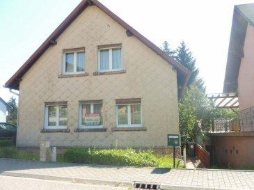 A Vendre en exclusivité à ENCHENBERG<br />Avec beaucoup de charme petite maison individuelle comprenant au rdc cuisine, salon, salle à manger, wc et salle d\'eau d\'eau&period; A l\'étage 2 chambres&period; Ainsi qu\'un sous sol et un garage&period; Le tout sur un terrain de 700 m² ~<br />La maison se trouve dans une  rue calme du village<br />Les plus  : Chaudière De Dietrich de 2015, double vitrage rue calme, belle vue sur l\'arrière&period;&period;&period;&period;Faire offre après visite&period;<br />Dpe en cous<br />Découvrez toutes nos annonces sur www&period;nordsud-immobilier&period;fr