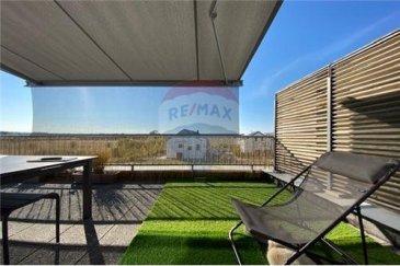 RE/MAX spécialiste de l'immobilier au Luxembourg, vous propose à la vente ce duplex d'excellence situé dans un quartier calme.   D'une surface de 117m², ce bien dispose :  - Séjour et cuisine ouverte  - 1 Superbe Terrasse de 60m² orientée plein Sud - coucher du soleil - 2 chambres à coucher avec la possibilité d'en créer une 3eme - 2 salles de bain  - 2 W.C - Duplex situé dans une maison bi- familiale (pas de syndicat de co-propriété - charges faibles - pas d'ascenseur) - 1 garage fermé   2 emplacements extérieurs pour voiture  Idéalement situé, il est très proche de la gare, des crèches et écoles.   Aucun travaux à prévoir.  Disponibilité : Juin/Juillet 2021