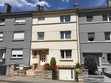 Tempocasa Bettembourg vous présente cette ravissante maison dans la ville de Esch-sur-Alzette. La propriété est située dans une rue secondaire et sans issue, à proximité toutes commodités, de la piscine municipale, du Lycée des Garçons, du Lycée Hubert Clément, de l'école primaire