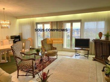 Bel appartement de 85 m2 situé au 5ième  et dernier étage d\'une résidence sis dans le quartier de Luxembourg-Verlorenkost à quelques pas du centre, avec une vue imprenable sur la Ville de Luxembourg.<br><br>L\'appartement dispose :<br>Hall d\'entrée, grand living/salle à manger avec accès à la terrasse, cuisine équipée avec accès au balcon, 1 grande chambre à coucher, 1 salle de bain, WC séparé, balcon,  terrasse avec une vue magnifique sur la Ville de Luxembourg, cave et un emplacement intérieur.<br>Travaux de rénovations à prévoir et possibilité de faire une 2ième chambre à coucher.<br><br>Le Domaine Beauregard est situé dans une rue calme du quartier de Verlorenkost à proximité du centre de la Ville de Luxemboourg.<br>