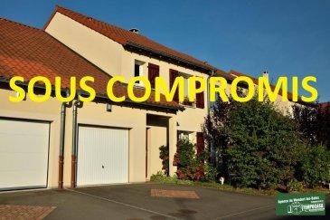 Tempocasa Mondorf vous propose une petite maison romantique située dans un quartier très calme. On peut profiter de sa petite terrasse pour apprécier les charmes de cet endroit.<br>Elle est composée ainsi: <br>- Hall d\'entrée <br>- Cuisine équipée ouverte sur salon / séjour<br>- Grande Terrasse + Jardin<br>- 3 chambres à coucher<br>- 1 Salle de bain ( douche + baignoire )<br>- 2 Wc séparés<br>- Garage<br><br>Pour plus d\'informations contactez-nous au 26 54 31 48 / 661 57 25 02<br />Ref agence :JP106