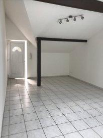 ALT\'IMMOGEST.COM votre agence immobillière vous propose :  Un appartement situé à FONTOY. 2eme étage de type F2 40 M2  Il se compose d\'une cuisine ouverte sur salon.  Une chambre , une salle de bain avec baignoire, WC indépendant et un cellier.  En annexe vous disposerez d\'un box deux voitures, une terrasse commune et d\'une cave.   L\'appartement est disponible rapidement.   Nous vous proposons cet appartement pour un loyer de 450€ et 40€ de charges (Provision mensuelle : T.O.M. , électricité et entretien des communs )    Loyer charges comprises : 490 €   Agence ALT\'IMMOGEST.COM 28 Rue Emile Zola 57300 HAGONDANGE Mme SZYNAL Estelle 0676005516