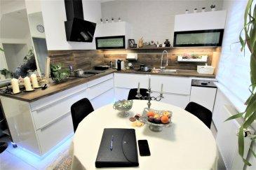 EFAPromo vous propose une charmante maison jumelée d\'une surface de 110m2 dans un quartier calme de Schifflange. <br><br>Cette maison a été complétement rénovée entre 2015-2019 et à tous les ingrédients pour vous surprendre. <br><br><br>Vous souhaitez vivre dans un endroit chaleureux et cosy cette maison et faite pour vous et votre famille. <br><br><br><br>- 1 Cuisine tout équipée<br>- 1 Salon <br>- 2 Chambres <br>- 2 Salle de douche <br>- 1 Studio intégré<br>- 1 Cour <br>- 1 Emplacement extérieur <br><br>Demandez sans plus attendre les renseignements concernant ce bien !<br><br>Jordan: 691 129 633<br><br>Email: jordan@efapromo.lu<br><br><br>