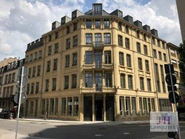 Emplacement de parking sous-terrain situé dans le bâtiment rénové du Fensterschlass rue des Bains au Centre-Ville de Luxembourg.<br><br>Disponibilité : 20 Septembre 2021