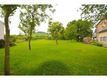 -TERRAIN A BATIR - <br><br>Le terrain à Machtum est très bien situé, avec vue dégagée sur la nature avoisinante.<br><br>Possibilité de construire deux maisons <br><br>Superficie de 8 ares <br><br>Pour plus de renseignements veuillez nous contacter au 691 850 805.