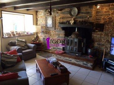 Belle maison en pierre.. Venez découvrir le charme de cette maison en pierre qui offre 4 belles chambres, un très beau salon avec poutres et cheminée ancienne, lumineuse cuisine, une très grande pièce faisant office de bibliothèque, 1 dalle de bains, 1 salle d\'eau, wc, buanderie, dépendances. Terrain clos de 1980 m².<br/>A visiter rapidement à 10 minutes de Nozay sur la commune de Jans<br/>Contact : Igor au 02 40 55 39 68 dont 4.47 % honoraires TTC à la charge de l\'acquéreur.