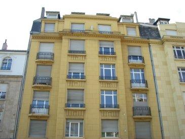 Rue Lafayette, à 3 min à pied de la GARE, au 5ème étage avec ascenseur, Appartement 3 pièces de 68 m2 comprenant une cuisine avec débarras et balcon, un séjour, deux chambres, une salle de bains/WC. Chauffage collectif. Disponible à partir du 01/09/2019.