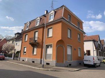F4 - 95 m2 - Strasbourg Cronembourg.  Idéalement situé dans le tres agreable Quartier Cronembourg à Strasbourg, nous proposons à la location un appartement F4 d\'une surface de 95m2, à proximité immédiate de toutes les commodités (St Florent, Cronembourg Centre). Situé au 2ème étage sans ascenseur d\'une maison de ville colorée, l\'appartement se compose de trois chambres, d\'un séjour, d\'une cuisine, d\'une salle de bain avec WC.<br> Possibilité d\'usage de l\'espace extérieur de l\'immeuble - petit jardin<br> Chauffage et eau chaude individuel Gaz. Disponible immédiatement.<br> Loyer: 790EUR par mois charges comprises dont 60EUR de provisions pour charges avec régularisation annuelle.<br> Dépot de garantie: 730EUR<br> Honoraires à la charge du locataire : 680EUR TTC dont 240EUR TTC pour l\'état des lieux inclus.