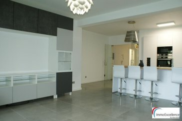 IMMO EXCELLENCE vous propose en exclusivité ce joli et moderne appartement d'une surface habitable de 113 m2. La surface utile est d'environ 150 m2. L'appartement se situe comme suit : Un hall d'entrée, un W.C. séparé avec raccordement pour la machine-à-laver, une salle-de-bains, trois chambres-à-coucher, une jolie et moderne cuisine équipée, un living avec salle-à-manger et accès direct sur une grande terrasse. L'appartement dispose également d'une cave, de quelques armoires encastrées ainsi que de plusieurs moustiquaires. L'appartement se trouve à  proximité de toutes commodités.  Ref agence :3426742