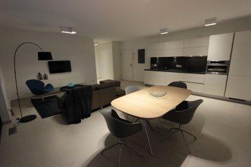 Nous avons le plaisir de vous proposer à la location un bel appartement tout compris (internet, télévision, femme de ménage, draps de bain et de lits...) dans le quartier de Rollingergrund.<br><br>Le plus grand atout de ce logement de haut standing est qu\'il est entièrement meublé et équipé. <br><br>Il se compose comme suit:<br>- Cuisine ouverte avec salon et salle à manger;<br>- 1 chambre;<br>- Salle de bain;<br>- Balcon d\'environ 7m2; <br>- Buanderie équipée (machine à laver/sèche-linge);<br>- Garage et sous-sol.<br><br>Prix locations:<br>1 mois: 2.400EUR<br>2/6 mois: 2.300EUR<br>> 7 mois: 2.200EUR<br>Parking: 150EUR<br><br>Frais d\'agence à la charge de la partie locataire: 1 mois de loyer + 17% TVA. <br><br>Pour plus d\'informations, veuillez contacter l\'agence.<br /><br />Wir haben das Vergnügen, Ihnen eine schöne Wohnung zu vermieten, mit einer Fläche von ca. 43m2, möbliert und komplett ausgestattet, es besteht wie folgt:<br><br>- Offene Küche mit Wohnzimmer und Esszimmer;<br>- 1 Zimmer;<br>- Badezimmer;<br>- Balkon von ca. 7m2; <br>- Ausgestatteter Waschraum (Waschmaschine/Wäschetrockner)<br>- Garage und Keller.<br><br>Einschließlich Nebenkosten (Reinigungsservice, Strom, WLAN, usw.)<br><br>Agenturkosten zu Lasten des Mieterteils: 1 Monat Miete + 17% MwSt. <br><br>Für weitere Informationen wenden Sie sich bitte an die Agentur.<br><br /><br />We are pleased to offer you for rent beautiful all-inclusive apartments (internet, television, maid, shower towels, bed sheets) in the Rollingergrund district.<br><br>The major asset of this high standing flat is that it is entirely furnished and equipped. <br><br>It consists as follows:<br>- Open kitchen with living and dining room;<br>- 1 bedroom;<br>- Bathroom;<br>- Balcony of about 7m2; <br>- Laundry room (washing machine/dryer);<br>- Garage and basement.<br><br>Rental prices:<br>1 month: 2.400EUR<br>2/6 months: 2.300EUR<br>> 7 months: 2.200EUR<br>Parking: 150EUR<br><br>Agency fees at the expense of the tenant: 1 m