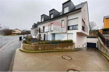 Bel appartement 1 chambre à Colpach-Haut<br>Votre agence RE/MAX , spécialiste de l\'immobilier au Luxembourg vous invite à découvrir sans tarder ce sublime appartement de 69 m²  situé dans une petite résidence récemment construite à Colpach-Haut (commune d\'Ell).  Vous y trouverez :  - 1 hall d\'entrée - 1 cuisine entièrement équipée - 1 salon /séjour - 1 chambre à coucher - 1 salle de bain - 1 WC séparé  Vous profiterez également d\'une terrasse d\'environ 20 m², d\'une cave privative, ainsi que d\'un emplacement de stationnement intérieur.  Honoraires d\'agence à charge vendeur.  N\'hésitez pas à nous contacter pour plus de renseignements ou pour convenir d\'une visite.<br>