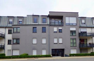 SCHAUS Immobilier vous proposer à la vente cet appartement d'une surface d'environ 57m2 avec balcon, se composant comme suit :  -Salon/Salle à manger avec une cuisine ouverte permettant d'accéder au balcon ; -Une chambre -Une salle de douche avec emplacement pour la machine à laver ; -Un emplacement intérieur et un emplacement extérieur.  L'appartement est idéalement situé à Roeser, à 15 minutes en bus de Howald. Toutes les 15 minutes un bus en direction de Kirchberg, passant par la gare et le centre-ville s'arrête devant la porte.  L'appartement est actuellement loué.  Nous sommes à votre entière disposition pour tout renseignement complémentaire et un rendez-vous de visite.  Les honoraires de négociation sont à la charge du vendeur.   Ref agence :VA0253