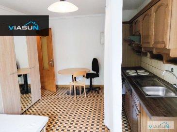 ViaSun SA vous propose à la location cette chambre meublée entièrement équipée avec cuisine privative ainsi qu\'un balcon, elle se situe dans une colocation de 4 unités rue de Bonnevoie à Luxembourg-Bonnevoie, à 3 minutes de la gare à pieds et à 10 minutes de Luxembourg centre ville. <br><br>Les lignes de bus se trouvent aux pieds de de la résidence.  <br>Vous trouverez à proximité de nombreux commerces (pharmacie, boulangerie, supermarché, banques....) et divers restaurants. <br><br>L\'appartement est en parfait état et nouvellement meublé, si vous recherchez une chambre dans un agréable cadre, contacter nous pour plus d\'informations. <br><br>Chambre disponible de suite<br>Loyer mensuel de la chambre : 890€ (toutes charges comprises) <br><br> - 15 m², cuisine équipée dans la chambre + balcon<br>1 mois de garantie locative, commission d\'agence à définir selon durée de contrat.  <br><br>A saisir et venir visiter sans hésiter, pour plus d informations ou planifier une visite éventuelle, merci de contacter Monsieur Adrien BLONDEL au 621.611.777 ou par email à a.blondel@viasun.lu<br><br>\