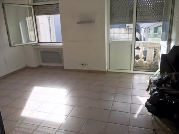 HOUSE FOR YOU vous propose un bel appartement d'environ 65m2 situé à Esch-Sur-Alzette.   2ème étage:  - Hall d'entrée - 2 chambres - Cuisine équipée séparé - Séjour d'environ 18m2 avec petit balcon - Salle de douche - cave privative - Buanderie - terrasse en commun - jardin en commun   L'appartement vient d'être complètement repeint en blanc.   LIBRE DE SUITE  Loyer: 1200€ Charges: 100€ Caution: 2400€ Agence: Loyer+tva  Pour informations et visites, nous restons à votre disposition.