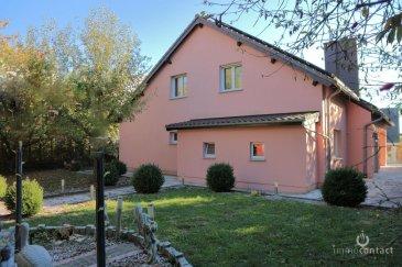 Magnifique maison Individuelle située au calme à Capellen.<br><br>Construite en 1988 et gros travaux de façade, de toiture, de chauffage, de triple vitrage et de panneaux solaires réalisés entre 2006 et 2010.<br><br>Érigée sur un terrain de 6.52 ares avec  +/-220m² de surface habitables, vous offrant :<br><br>Rdch : <br>- vaste hall d\'entrée, <br>- cuisine équipée individuelle de +/18m² donnant accès à la terrasse<br>- séjour / salle à manger avec cheminée de +/- 40m² donnant accès à la terrasse et au jardin<br>- 1 chambre à coucher<br>- salle de bain avec fenêtre<br>- WC séparé <br><br>1er étage : <br>- Hall de nuit<br>- 3 belles chambres à coucher ( 16, 18, et 22m²)<br>- 1 salle de bain avec fenêtre<br><br>Sous-sol : <br>- 1 chambre<br>- 2  douches<br>- WC séparé<br>- 1 cuisine équipée<br>- 2 garage box<br>- local technique <br>- buanderie<br>- chaufferie<br><br>La maison est disponible rapidement.<br><br>Situation:<br>17 minutes du Kirchberg et 14 minutes de la ville, <br>10 minutes à pied de la gare et de NAMSO.<br>Ecole primaire à 2 minutes et Ecole Européenne à 5 kilomètres.<br><br>Visite possible les Week-ends et jour férié.<br><br>Pour toutes estimations de votre bien ( disponible en 48H), n\'hésitez pas à nous contactez au 621.75.86.43.<br><br>Pour toutes autres informations contactez-nous au 26.311.992 ou sur info@immocontact.lu