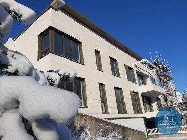 RCI - REFFAY Christophe Immobilien vous présente ici en location au Bridel, un grand appartement de luxe avec les caractéristiques suivantes : <br>- 1er étage<br>- +/- 120,02 m2  <br>- +/- 30 m2 de terrasse <br>- 3 grandes chambres <br>- 1 cave <br>- 2 parkings intérieurs<br><br>Disponibilité prévue : 01/04/2021<br><br>D\'un standard haut de gamme, la résidence SUZANNE séduit par sa conception structurée et orientée vers une qualité de vie optimale. <br>Chaque lot est proposé avec une terrasse ou un balcon. <br><br>Dans le respect des dernières exigences environnementales, ce bâtiment est classé AA. <br>Pour atteindre ces performances, chaque appartement dispose d\'un chauffage au sol, d\'une ventilation mécanique contrôlée à double-flux, de triple vitrage, d\'une porte blindée, de pergolas extérieures à système de fermeture automatique en cas d\'intempérie sur les balcons des appartements du 1er étage. <br>Tous les appartements disposent d\'une belle terrasse bien exposée accessible depuis le salon. <br><br>Cette résidence offre un confort de vie de haut standing. <br>La disponibilité des appartements est prévue pour le 1er avril 2021. <br><br>Pour tout renseignement ou pour une visite, merci de contacter: <br><br>Christophe REFFAY<br>691 661 661 <br>christophe.reffay@rci.lu<br><br>--------------------------------------------------<br><br>RCI - REFFAY Christophe Immobilien presents here for rent in Bridel, a big luxury apartment with the following characteristics:<br>- 1st floor<br>- +/- 120,02 m2<br>- +/- 30 m2 of terrace<br>- 3 large bedrooms<br>- 1 cellar<br>- 2 indoor car parkings<br><br>Expected availability: 04/01/2021<br><br>Of a high standard, the SUZANNE residence seduces with its structured design oriented towards an optimal quality of life.<br>Each set is offered with a terrace or a balcony.<br><br>In compliance with the latest environmental requirements, this building is classified AA.<br>To achieve these performances, each apartment has an underfloor h