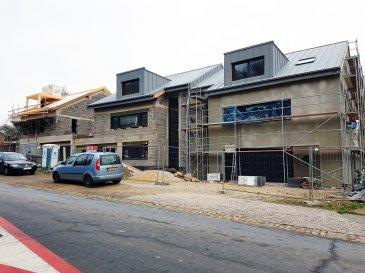 ***** INTELLIGENT HOUSE SYSTEM - SMART HOME *****  F&N Promotion vous propose une nouvelle maison, situé à Reuland, construite dans un style moderne, avec une surface habitable de +-300m2 - 5 min du Junglinster, 15 min du Kirchberg – Luxembourg. (Classe énergétique A/B)  Reuland (commune Heffingen) dispose de toutes les infrastructures nécessaires (crèche, école, foyer de jour, etc.), à proximité de la ville Junglinster, ou vous trouverez toutes commodités nécessaires.  La maison se compose comme suite:  Rez-de-chaussée: - hall d'entrée avec vestiaire - un spacieux living trés lumineux avec une vue et accès vers la terrasse et le jardin  - chambre à coucher/bureau avec salle de bain - WC séparée  - un garage pour 2 voitures, et emplacement devant la garage  1ér étage: - spacieux coulouir  - chambre à coucher (master bedroom) avec salle de bain et dressing - 3 chambres à coucher - salle de bain  Combles: - chambre à coucher  - salle de bain - buanderie  - grande salle de jeux  Le prix est indiqué avec 3% TVA incluse.  Plan et plus de photos sur demande!   N'hésitez pas, contactez-nous et prenez un rendez-vous (également le weekend).  Tél.: +352 621 13 99 88 E-Mail: info@fn-promotion.lu Ref agence: RL-MA03  -------------  F&N Promotion präsentiert Ihnen ein modernes Haus (Neubau), mit einer Wohnfläche von ca. 300 m2, 5 Minunten von Junglinster, und ca. 15 Minuten von Kirchberg-Luxemburg entfernt. (Energieeffizienz- und Wärmeschutzklasse A/B)  Reuland (Gemeinde Heffingen) bietet Ihnen jede nötige Annehmlichkeit (Krippe, Schule, Kindertagesstätte, etc.) in Reuland selbst, sowie auch im naheliegenden Junglinster.  Das Haus beinhaltet:  Im Erdgeschoss: - Eingangshalle  - ein geräumiges, gut belichtetes Wohnzimmer mit Blick und Zugang zur Terrasse und dem Garten (Fernsehanschluss / Internetanschluss auch im Garten verfügbar) - eine offene Küche - ein Schlafzimmer / Büro mit Badezimmer - ein separates WC - eine Garage mit zwei Stellplätzen, sowie auch zwei Stellplätze vor d