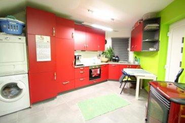 FR Homeseek Belair et Daniel Marques (+352 691 922 810) vous présentent une petite maison à très bas coût de charges (environs 130€ par mois), rénovée de +/- 50m² habitables sur deux étages.  Située à Differdange, près de toutes commodités elle se compose comme suit :   - Rez-de-chaussée :Une cuisine complètement équipée ouverte vers l'espace vie, avec un petit espace de rangement.  - 1er étage : une chambre d'environs 14m2 et une salle de douche avec wc.  À ce bien s'ajoute encore un espace de rangement fermé a l'extérieur de la maison et une cour privative.  N'hésitez pas à nous contacter au 691 922 810 pour plus d'informations ou pour prendre rendez-vous, ou par e-mail: dmarques@homeseek.lu  Si vous louez ou vendez votre bien, ne tardez pas à me contacter pour que je vous aide dans vos démarches  PT Homeseek Belair e Daniel Marques (+352 691 922 810) apresentam-lhe ume pequena casa de baixo custo de charges (a volta de 130€ por mês), renovada de +/- 50m² habitaveis de 2 andares..  Situada em Differdange, perto de todas as comodidades, ela é composta de:  - Rez-de-chão: Uma cozinha completamente équipada aberta para o espaço de vida, com um pequeno espaço de arrumos.  - Primeiro andar: Um quarto de +/- 14m2 e uma casa de banho com duche e wc  Junta-se ainda a este bem um espaco de arrumos fechado no exterior da casa e um pátio privado.  Não hesite em nos contactar para o 691 922 810 para mais informações ou para uma visita, ou por email: dmarques@homeseek.lu  Se pretende alugar ou vender o seu bem, nao tarde em me contactar para que eu o ajude em todos os passos.    Ref agence :4921614-HB-DM