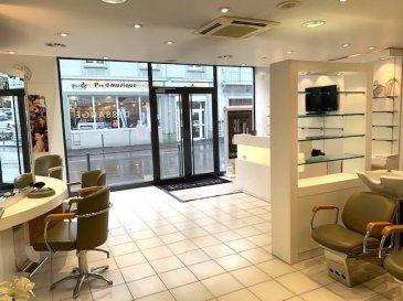 L'agence IMMOLORENA de Pétange en collaboration avec FRONGIA SARL Agence Immobilière a choisi pour vous  AU CENTRE VILLE DE LONGWY-BAS UN LOCAL COMMERCIAL D'UNE SUPERFICIE DE 95M² (salon de coiffure) OU TOUT AUTRES ACTIVITES COMMERCIALES. COMPRENANT:  - Une entrée,  - Une grande salle avec 3 vitrines,  - Un vestiaire,  - Un bureau,  - Un WC,  - Une cave.  NORMES HANDICAPEES. CLIMATISATION REVERSIBLE. DOUBLE VITRAGE. STATIONNEMENT FACILE. LE TOUT EN PARFAIT ETAT. LOCAL DISPONIBLE DE SUITE.  Pour tout contact: Joanna RICKAL: 621 36 56 40 (FR) Vitor Pires: 691 761 110 (PT, IT, UK, FR)  L'agence ImmoLorena est à votre disposition pour toutes vos recherches ainsi que pour vos transactions LOCATIONS ET VENTES au Luxembourg, en France et en Belgique. Nous sommes également ouverts les samedis de 10h à 19h sans interruption. Demander plus d'informations