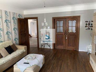 Maison de caractère de 247 m² libre des 4 cotés qui comprend :  - Au rez-de-chaussée : un joli salon/séjour bien illuminé, une cuisine indépendante équipée, un WC séparé, un bureau de 14 m² avec entré séparée et donc propice pour profession libérale. (Hauteurs au plafond de 270 cm) - Au 1er étage : un Hall de (11 m².) qui dessert 4 chambres entre 13-16 m², une salle de douche (13,82 m².) et un WC indépendant de 5,06 m².   -Au 2ème étage : Combles avec possibilités d'aménagement en Pièces à Vivre de 67 m².   Le tout est édifié sur un terrain de 5.32 ares avec potagers et des places généreuses pour stationnement (6-7 voitures)  Cette maison est classée par le Site et Monument ce qui signifie un Apport au Frais en cas de Rénovations pouvant aller jusqu'à 50%.  Pour plus de renseignements ou une visite contactez-nous au Tel: 28 11 22-1 ou sur info@homesell.lu  Ref agence : 160