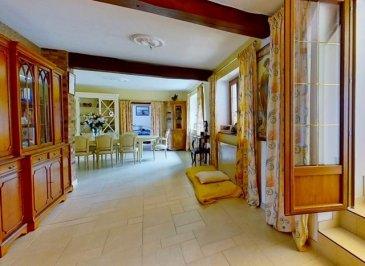 RARE, UNE OPPORTUNITÉ GL PROMOTION :  A VOIR !! A LONGUYON très belle propriété de 230m² sur 20 Ares de terrain clos et arboré avec piscine extérieure, pool house, et sauna.  Composée :   Au 1er : D'un grand salon / séjour de plus de 60m² ouvert sur une cuisine entièrement équipée avec table de cuisson gaz, D'une véranda de 40m² avec accès a la terrasse de 170m², a la piscine chauffée 12 mètres de long par 5 mètres de large, et au jardin sans vis-à-vis.  De 2 chambres (9m², 15m²), et d'une suite parentale de 17 m2 avec salle de bain attenante avec baignoire balneo, (Jacuzzi) douche et meuble double vasque, WC   Au RDC : D'un grand appartement pouvant être loué a la nuit, au mois, ou de coin pour enfants. Idéal pour adolescents.  Comprenant une deuxième cuisine équipée, ouverte sur un espace de plus de 50m², ainsi qu'une deuxième salle de bain, et une chambre  Chauffage gaz de ville, Double vitrage, porte d'entrée anti-effraction neuve,  Système d' alarme et camera professionnelle de surveillance de toute la propriété  La maison dispose également d'un garage et d'un parking privatif pour plusieurs voitures.  A 25 Minutes du Luxembourg.  Frais d' Agence a charge vendeur. CONTACTEZ VANESSA AU 06.74.96.24.23