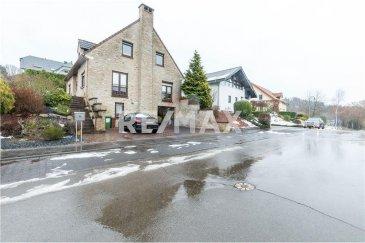 Veuillez contacter Sergio Rocha pour de plus amples informations : - T : +352 621 248 986 - E : sergio.rocha@remax.lu  Visite virtuelle : https://premium.giraffe360.com/remax-select/272239aaa82145fd8d29d1c466d3b521/  REMAX Luxembourg vous propose cette charmante maison exclusive de 5 chambres, d'une surface habitable de 175 m², idéalement située dans la Ville de Eischen. La maison est idéale pour une grande famille.  Le bien se compose comme suit :  Au rez-de-chaussée : - un hall d'entrée, - une cuisine individuelle équipée avec une buanderie de 20,95 m² donnant accès à la terrasse avec un beau jardin, - un salon et une salle à manger de 44 m², - une chambre avec salle de bain privative de 22 m², - et une toilette séparée.  Au premier étage : - une double chambre de 27 m², - une deuxième chambre de 13,36 m², - une troisième chambre de 15 m², - une salle de bains de 5,48 m², - une toilette séparée, - et un grand grenier.  Sous-sol : - une chambre ou bureau de 9,89 m², - cave avec buanderie, - garage pour 2 voitures, - et 3 places de parking extérieures à l'avant de la maison.  La maison est située dans une cité calme, à proximité de toutes commodités.  Le prix de vente comprend la commission d'agence à la charge de la partie venderesse.