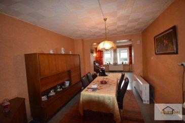 *** MAISON A RENOVER ***  Sartori , agence immobilière à Bettembourg , vous propose cette avantageuse maison à rénover de148m2 surface totale dont 128m2 surface habitable , construite sur un terrain de 0,90 ares.  Cette maison avec un énorme potentielle est composé comme suit :  Le rez-de-chaussée se compose d'un hall d'entrée de 10,27m2 , d'un vaste séjour de 27,73m2 , d'une charmante cuisine équipée de 8,16 m2 , et d'un débarras donnant accès à la paisible terrasse de 5,01m2.  Au premier étage vous disposerez d'un hall de nuit, de deux harmonieuses chambres de 18,25m2 et 13,27m2 et d'une salle de bains 4,10m2.  Au dernier étage la maison dispose d'un grenier possible de faire 2 chambres avec une salle de bain .  Vous disposerez également d'une terrasse de 10m2 que se situe entre le rez-de-chaussée et le premier étage.  Pour plus de renseignements, veuillez contacter Mr Sanchez Sergio au 691 222 625.   Ref agence :562
