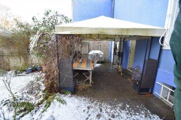 L'agence immobilière IMMO MAX à Luxembourg vous propose de venir découvrir cette charmante maison idéalement située à Bettembourg,   Sur un terrain d'environ 11 ares et sur une surface habitable de 190 m² , cette grande maison comprend un salon donnant accès à une cuisine équipée ouverte, 4 grandes chambres à coucher, 2 salles de bain et une belle hauteur de plafond.  A cela s'ajoutent un Garage, une terrasse, une cave, et un énorme jardin.  Informations complémentaires sur demande et visites sur rdv.  N'hésitez pas à consulter notre site pour retrouver des biens similaires WWW.IMMOMAX.LU   Vous souhaitez vendre? Estimation immobilière gratuite de votre maison et estimation immobilière gratuite de votre appartement.
