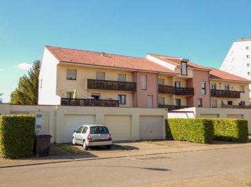 NOUS VENDONS au 1er étage du 12 allée Marguerite à MONTIGNY LES METZ (Moselle),  Un appartement F3 et un garage extérieur séparé.  L\'appartement offre sur une surface habitable de 65,86 m2 : un salon et séjour de 28,50 m2 avec accès à un grand balcon orienté Sud. Une cuisine récemment aménagée et équipée à neuf, Une chambre de 12,22 m2 Une salle de bains de 4,47 m2 WC séparé.  Avec aussi un garage séparé de 17 m2 pour le stationnement d\'un véhicule.  *** Fenêtres double vitrage sur châssis bois *** Chauffage électrique *** Charges faibles à 59 €/mois. *** Pas de procédure en cours   NB : L\'appartement est immédiatement disponible.  CONTACT :  Gérard STOULIG – Agent commercial au : 06 03 40 33 55 ou l\'agence au : 03 87 36 12 24.  NB : Les frais d\'agence sont inclus dans le prix annoncé.