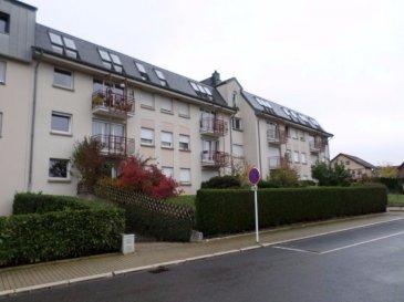 EXCLUSIVITÉ LUXPROIMMO, Crauthem, commune de Roeser, Bel appartement d'une surface de 70m² situé au rez-de-chaussée, à l'arrière de la résidence et composé comme suit:  Hall d'entrée, cuisine équipée, salle de bains, chambre à coucher(15m²) et spacieux living (30m²) avec accès à la terrasse(6m²) privée et au jardin commun.  L'appartement est équipé d'un système d'alarme avec détecteurs de mouvements et d'un systèe de détection d'incendie.  Au sous-sol: Cave privée et buanderie commune.  A l'extérieur: Garage fermé individuel pour une voiture avec porte motorisée.  Pas de travaux à prévoir dans l'immeuble.