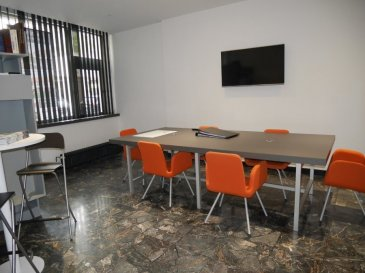 A VENDRE - TALANGE LOCAL COMMERCIAL dans une copropriété sur AXE PASSANT  Volumes: SURFACE DE 313 M2 BRUTS environ / 238 M2 NETS composé d'un sous-sol de 47 m2 environ, REZ DE CHAUSSEE de 141 m2 environ ETAGE de 97 m2  Destination actuelle: RDC: local commercial et bureaux avec salle de réunion. Etage:  bureaux et salle de réunion.  Charges de copropriétés 400 euros / trimestre Taxe Foncière   2.800 euros  FACILITES DE STATIONNEMENT  PRIX DE VENTE HONORAIRES A CHARGE MANDANT AGENCE NE PERCEVANT PAS DE FONDS
