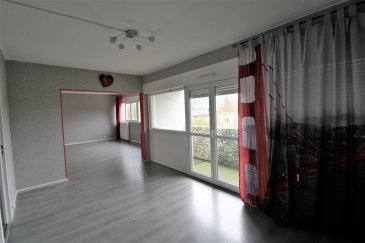 Bel appartement F5 lumineux.  Situé au 2ième étage d'une résidence sécurisée, bel appartement F5 entièrement rénové avec balcon, garage et deux caves. Il se compose d'une entrée, d'une cuisine équipée, d'un grand salon/séjour accès balcon avec vue dégagée, de trois chambres, d'une salle de bains et d'un wc.  Ce logement lumineux et fonctionnel dispose de nombreux rangements  A visiter sans tarder !!  Visite virtuelle => https://tour.previsite.com/783DAF6F-0AF5-C79B-407E-0E6AE4551A2C?lead_capture=false