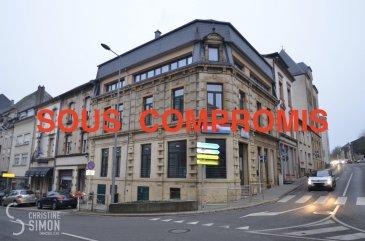 SOUS COMPROMIS  L'Agence immobilière Christine SIMON, vous présente en exclusivité un bel appartement au deuxième étage d'une Résidence construite en 2009. Idéal pour investisseur ou 1ère acquisition. Il se compose comme suit: Hall d'entrée, séjour, cuisine équipée, chambre à coucher et salle de douche. Au sous-sol une cave L'appartement ne dispose pas d'un garage. L'appartement est actuellement loué à 990 € par mois plus 110 € de charges jusqu'au 1 septembre 2021.  La commission de vente pour l'agence de 3% plus TVA 17 % est à charge du vendeur.  Pour de plus amples renseignements ou une visite de l'appartement contacter l'agence au 26 53 00 30 1 ou par mail: info@christinesimon.lu  Nous sommes en permanence à la recherche de biens pour nos clients solvables, si vous désirez vendre ou louer, contactez Christine SIMON.