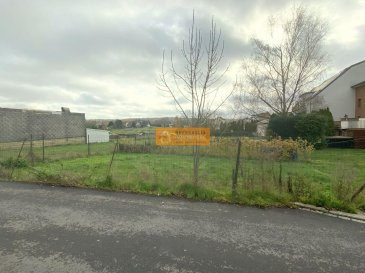 SOUS COMPROMIS<br><br>Beau terrain à bâtir de 2a70 pour la construction d\'une maison libre de 4 côtés.<br><br>Le terrain se trouve dans une rue calme dans le centre de Bascharage.<br><br>Le terrain est vendu sans contrat de construction.<br>