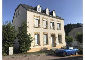 Bel appartement situé à Godbrange, au rez-de chaussée d\'une maison bi-familiale, d\'une superficie de 69,57 m2 + garage (19 m2), libre des quatre côtés, avec terrasse et jardin. Arrêt de bus à 30 mètres. Ligne directe vers Luxembourg-Ville (Terminus: Badanstalt) et ligne directe vers Diekirch. Disponibilités mars 2020.<br><br>DESCRIPTION:<br>- Hall d\'entrée<br>- Living <br>- Cuisine équipée ouverte <br>- 1 chambre à coucher <br>- 1 salle de douche<br>- 1 terrasse<br>- 1 buanderie au garage<br>- 1 jardin<br><br>SITUATION GEOGRAPHIQUE:<br>- Diekirch 20 km<br>- Mersch 13 km<br>- Luxembourg-Kirchberg 18 km<br>- Junglinster 3 km<br><br>CONDITIONS DE LOCATION:<br>- Loyer mensuel: EUR 1.500,00<br>- Dépôt de garantie : EUR 3.000,00<br>- Commission agence: EUR 1.755,00<br>- Animaux domestiques admis<br><br>CONTACTS LIVINGHOME:<br>- BUREAU +352 27 80 83 56<br>- Carine DEI CAMILLO +352 621 45 32 08<br>- Pascal POOS +352 621 36 20 26<br><br />Ref agence :3497598