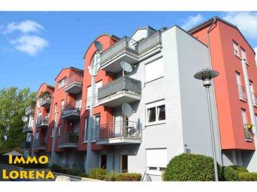 L'agence IMMO LORENA Lux Sarl de Pétange a choisi pour vous un joli appartement avec ascenseur au REZ-DE-CHAUSSÉE surélevé de deux chambres et magnifique terrasse de 46 m2 bien ensoleillé , situé à Niederkorn dans une rue très calme, à proximité de toutes commodités, aires des jeux, commerces, écoles, crèche, gare de Pétange etc.  L'appartement  se compose comme suit:  - Un hall d'entrée de 6,32 m2 avec dressing - Une cuisine séparée toute équipée de 9 m2 donnant accès à la terrasse de 46 m2, avec possibilité d'ouvrir vers le double living - Un double living de 23,35m2 donnant également accès à une grande terrasse orientation plein sud de 46 m2  - Deux chambres de 14 m2 et 9 m2 - Une salle de bain avec baignoire/douche  CARACTERISTIQUES DE L'APPARTEMENT:  - Fenêtres double vitrage  - Façade  2015 - Magnifique terrasse plein sud de 46 m2 - Cave et emplacement privatives   - Pas des travaux à prévoir - Résidence très soignée   2,5% du prix de vente à la charge de la partie venderesse + 17% TVA  Pas de frais pour le futur acquéreur   Pour tout contact: Joanna RICKAL: +352 621 365 640 Vitor Pires: +352 691 761 110 Kevin Dos Santos: +352 691 318 013  L'agence Immo Lorena est à votre disposition pour toutes vos recherches ainsi que pour vos transactions LOCATIONS ET VENTES au Luxembourg, en France et en Belgique. Nous sommes également ouverts les samedis de 10h à 19h sans interruption.