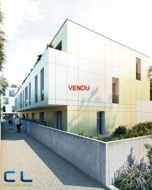 **** VENDU **** Nous vous proposons à la vente dans le nouveau projet  immobilier de standing « Place Benelux » : Un appartement neuf (4-T2) de +/- 62.89 m2 qui se compose comme suit:  - Une cuisine ouverte - Un living - Deux chambres à coucher - Deux salles de bain  Ce nouveau projet  à l?architecture contemporaine est constitué de 5 maisons en bande, d?une résidence de 6 appartements et d?un local commercial.  Il est idéalement situé à la Place Benelux, dans le quartier résidentiel d?Esch nord, quartier calme et accueillant, qui possède encore de petits magasins de proximité, d?autres infrastructures (telles que piscine, école, crèches, hôpital ?) ou services (poste, banques etc), se trouvent aussi dans ce quartier. Les transports en commun ainsi que l?autoroute A 4 se trouvent à quelques mètres.  A 5 minutes en voiture du site Belval.  Les prix indiqués comprennent la TVA à hauteur de 3%, il y a la possibilité d?acheter en supplément des emplacements de parking intérieurs.  N?hésitez pas à nous contacter pour de plus amples renseignements, les plans et cahier de charges sont à votre disposition sur  simple demande.    Commission d\'agence comprise dans le prix à la charge du vendeur.   Ref agence :EACVB69-79A2_4