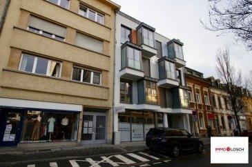 Studio de 39 m2 à louer à Luxembourg-Hollerich<br><br>- Hall d\'entrée - Espace de vie - Cuisine équipée - Salle de douche - Cave - Buanderie commune <br>Possibilité de louer un emplacement intérieur pour le prix de 100.-€ / par mois <br><br>Caution de 3 mois<br> Frais d\'agence : 1228.50 € TTC 17 %<br><br><br>Libre le 15.12.2017 <br />Ref agence :1212939