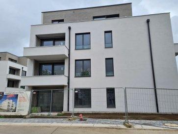RE/MAX spécialiste de l\'immobilier vous propose à la location un appartement neuf avec cuisine équipée, salon avec sortie terrasse, une chambre à coucher et salle de douche.<br>A ce bien s\'ajoute une cave et un emplacement intérieur privatif.<br>L\'immeuble dispose d\'un ascenseur et de toutes commodités.<br>La situation est excellente (Auchan OPKORN, pharmacie, Hôpital, centre, piscine AQUASUD)<br>Disponible le 1er novembre 2021<br>Le contrat de location est réalisable d\'année en année. (max. 2 personnes) <br><br>Documents nécessaires pour la location:<br>Contrat de travaille CDI<br>3 dernières fiches de salaire<br>Pièces d\'identités  <br>Loyer: 1.180.- + charges mensuelles 190.- euros<br><br>Garantie bancaire 3 mois de loyer (3.540.-),  frais d\'agence 1.180.-€ + TVA (17%) à charge du locataire.<br><br>Personne de contact: <br>Sonia Da Graca <br>Tel: 661 458 188<br>Mail: sonia.dagraca@remax.lu