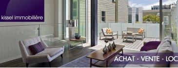 Immeuble de Rapport à Echternach  FORT Rendement   Rez de chaussée -Café Restaurant Capacité 80 couverts -Cuisine avec équipement professionnelle -Zone de stockage -WC Homme  -WC Femme  1er Etage -6 Chambres de 12 m² à 14 m² avec lavabo -1 Salle de douche avec Wc -1 Studio +/- 25 m², salle de douche et Wc, kitchenette -1 Appartement 1 chambre +/- 55 m², salle de douche et Wc, kitchenette  2nd Etage -4 Chambres de 12 m² à 14 m² -1 Salle de douche avec Wc -1 Studio +/- 25 m²m², salle de douche et Wc, kitchenette  Sous-Sol -Réserve restaurant -Accès Chaudière.  Immeuble rénové en 2008, Toiture, Eau, Electricité et Chauffage.  Pour plus de renseignements contacter Alexandre Kissel 691621235