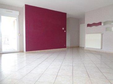 CENTRE VILLE, dans résidence de 2001 au 1er étage avec ascenseur, appartement de type F3 de 79.52m² composé d\'une entrée, grande pièce de vie avec cuisine ouverte et équipée, accès à la terrasse couverte, cellier, 2 chambres, salle d\'eau et toilettes séparés. Le bien est vendu avec un garage fermé privatif en sous-sol. Double vitrage PVC, volets roulants, chauffage individuel GAZ (chaudière de 2017). <br />Pour toutes informations complémentaires, n\'hésitez pas à nous contacter au 06.20.38.84.84 !