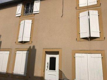 Longeville les Metz, F4  offrant un fort potentiel ,vaste appartement dans une petite copropriété situé au 1er étage d'un immeuble ancien et rénové composé d'une cuisine et d'un séjour, d'une salle à manger, d'une chambre, d'une salle d'eau avec wc (possibilité de créer une deuxième chambre)