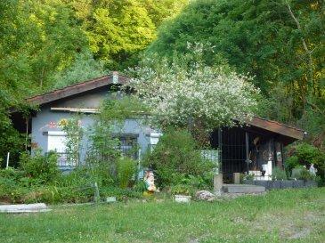 Nous vendons à DALEM (Moselle),  situé parfaitement au calme bien à l\'écart de toute habitation et en clairière de forêt ;  un chalet de week-end de 30 m2 environ avec sa terrasse couverte de 20 m2, établi sur un très beau terrain arboré de 1 hectare, 6 ares et 18 ca.  Sur l\'avant une terrasse dallée avec vue sur la vallée.  Ce bien est dispensé de DPE.  LIBRE DE SUITE  CONTACT :  Gérard STOULIG – Agent commercial au 06 03 40 33 55 ou l\'agence ABEL IMMOBILIER au 03 87 36 12 24.