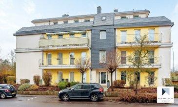 Situé à Alzingen, dans un quartier résidentiel calme et convivial, cet appartement traversant occupe le 3e et dernier étage d'une copropriété soignée. D'une surface habitable nette de ± 122 m² pour une surface totale de ± 157 m², l'appartement datant de 2002 se compose comme suit:  La porte d'entrée s'ouvre sur un lumineux hall avec vestiaire ± 8 m² desservant, d'un côté, un séjour ± 24 m² avec cheminée en stéatite et une cuisine ouverte ± 12 m² et équipée SIEMENS/SMEG.  De l'autre côté du hall d'entrée, la partie nuit se compose de 4 chambres de ± 10, 13, 13 et 14 m², d'une salle de douche ± 8 m² (double douche, jet d'eau, lavabo et wc suspendu) avec sauna en suite ± 4 m², d'une salle de bain ± 6 m² (cabine de douche, lavabo et wc suspendu) et d'un petit débarras encastré ± 2 m² desservi par un couloir ± 6 m².  Une terrasse ± 38 m² courant tout le long de l'appartement est accessible depuis le séjour, les quatre chambres ainsi que la salle de douche.  Au sous-sol, deux emplacements de parking intérieurs, une buanderie commune ainsi qu'une cave ± 8 m² et un jardin commun complètent l'offre.  Détails complémentaires :  • Appartement en bon état ; • Sauna 3 personnes avec éclairage halogène ; • Châssis double vitrage ; • Chauffage au gaz ; • Situation recherchée, localisation idéale ; • Proche de toutes commodités : commerces, écoles, crèches, centre commercial Cloche d'Or, … ; • Bus, accès autoroutiers et aéroport (10 min) ; • Proximité Luxembourg-ville (± 6.5 km) ; • Belles promenades dans les alentours.  Agent responsable: Florian Apolinario Mobile: +352 691 110 397 E-mail: florian@vanmaurits.lu