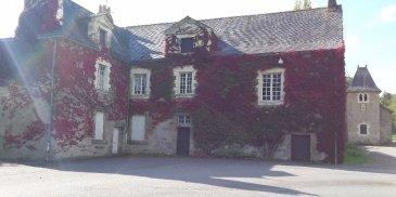 Magnifique domaine. Domaine unique chargé d\'histoire, idéalement situé entre Nantes et Saint-Nazaire, 10 mn de la ville de Blain , coup de coeur pour cette ensemble de bâtiment composer d\'une gentilhommière dite \'repos de chasse\' du XVIIème siècle d\'une chapelle datant de 1613 , d\'un pigeonnier, chenil et double garages. La maison principale, vous propose en rez de chaussée un premier logement comprenant séjour avec coin cuisine, 3 chambres, salle de bains, wc, caves. Pour accéder au premier étage vous disposez d\'un magnifique escalier en bois d\'époque, qui dessert une pièce de 40m² avec cheminée, un séjour avec coin cuisine, 3 chambres, salle de bains, wc. Au dernier étage vous pourrez encore disposer d\'un grenier de 110m² au sol. Beaux éléments d\'époque, volumes, tomettes, boiserie...<br/>Un bien rare à la vente et véritable demeure de caractère à l\'authenticité préservée dans un magnifique parc arboré d\'env. 2,6 hectares d\'un seul tenant.<br/>Dpe: Non requis<br/>ref: 3533<br/>Contactez Severine Dano (n° siret: 80029587500010) : 06.82.88.51.52<br/>Prix HAI: 314 900 € (300 000€ net vendeur + 14 900€ honoraires agence)<br/> dont 4.97 % honoraires TTC à la charge de l\'acquéreur.