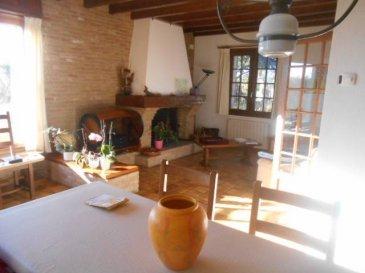 A VOIR  REF 5676  Villa à Rang du Fliers 155m² Hab/2683m² terrain   Entrée spacieuse,grand séjour avec cheminée, cuisine équipée avec cellier, salle d\'eau wc, 2 chambres et bureau.En haut 2 grandes chambres+ 1 gîte au fond de la pelouse, 1 partie du terrain est constructible, terrasse ensoleillée, garage avec mezanine, terrain constructible. à noter on peut faire 2 chambres d\'hôtes CLASSEE E ET B REF 5676