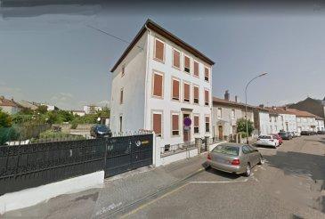 Montigny centre, appartement F4 87.4m². Dans une petite copropriété de 4 lots. Au 2è et dernier étage, bel appartement composé d\'un séjour double, une cuisine aménagée, deux chambres, un bureau et une cave. <br/>Chauffage individuel au gaz.<br/>Faibles charges.<br/>Copropriété de 4 lots (Pas de procédure en cours).<br/>Charges annuelles : 350.00 euros.